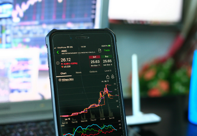携帯と株価チャート